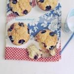 Patriotyczne muffiny z serem ricotta i borówkami