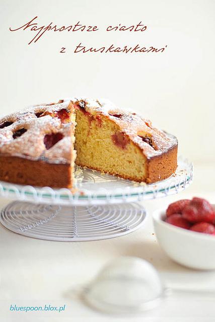przepis na bardzo łatwe ciasto z truskawkami