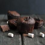 Na bogato – podwójnie czekoladowe muffinki z piankami